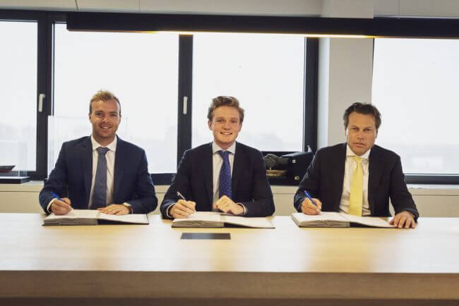 Contract Signing Damen and Skoon (2)_lowres