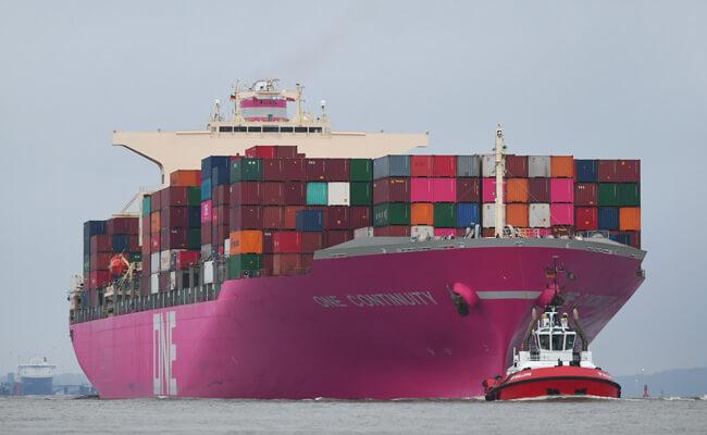 ONE_containership_hamburg port