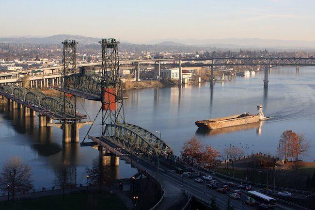 Tug_&_barge,_willamette_river