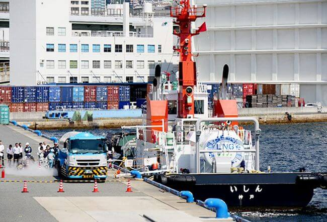 LNG-fueled Tugboat Ishin Undergoes 1st LNG Bunkering Trial in Port of Kobe