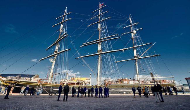 Clipper_vessel_stad amsterdam_damen