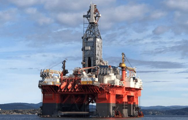 West_Mira_drilling_rig