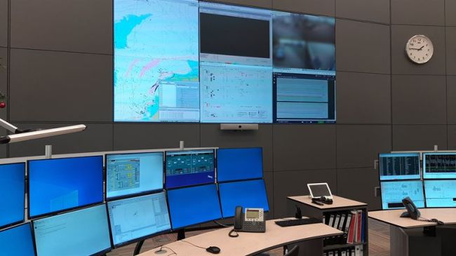 Full access to vital VTS information is provided by the Wärtsilä Navi-Harbour WebVTS 5.0 software application, thereby enhancing the operational safety of Wintershall Noordzee's offshore installations.