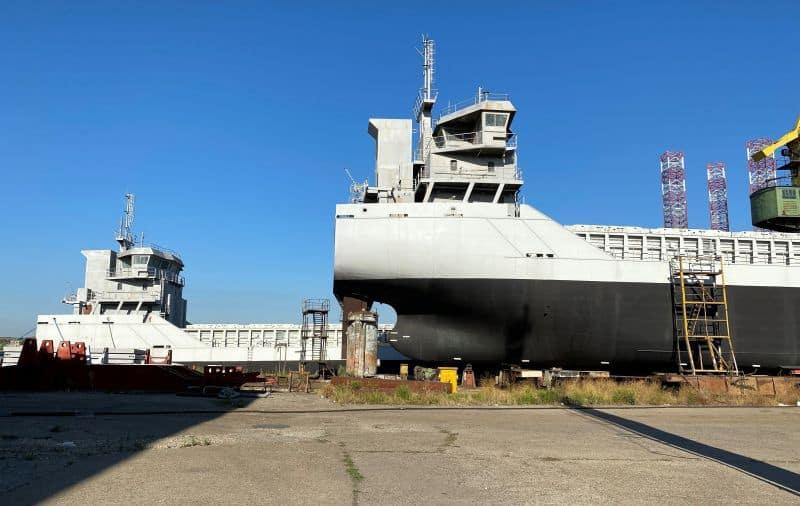 Both vessels at the yard, Mv Longbay and Mv Longbeach